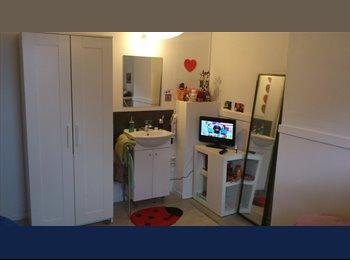 Appartager BE - Chambres avec lavabo dans colocation 100 mètres CHWAPI, Tournai - 335 € / Mois