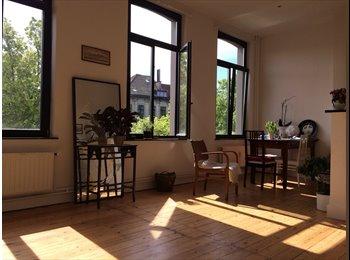 Appartager BE - Beautiful 1 bdr flat on trendy place Chatelain - le Pentagone (centre ville), Bruxelles-Brussel - 950 € / Mois