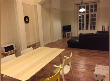 Appartager BE - Nouvelle Coloc meublée sympa et bien située - Charleroi, Charleroi - 390 € / Mois