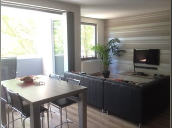 Appartager BE - Room with tv / EU-Area - le Quartier Européen (Léopold, Schuman), Bruxelles-Brussel - 570 € / Mois
