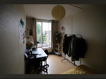Appartager BE - Coloc Montgomery recherche un 7ème coloc pour 6 mois - Woluwe Saint Pierre - Sint Pieters Woluwe, Bruxelles-Brussel - 490 € / Mois
