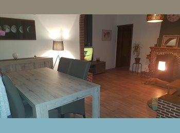 Appartager BE - Chambre à louer, Tournai - 300 € / Mois