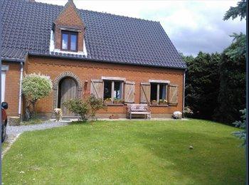 Appartager BE - Chambre meublée (16m2) dans maison spacieuse à la campagne - Genappe, Genappe - 490 € / Mois