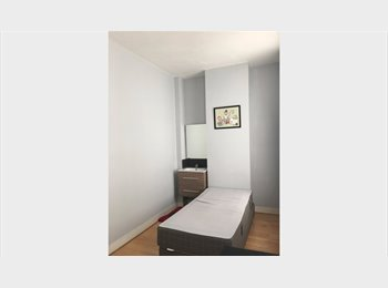 Cosy and Furnished Room