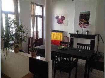Appartager BE - Deux chambres à louer au coeur des Marolles - le Pentagone (centre ville), Bruxelles-Brussel - 395 € / Mois