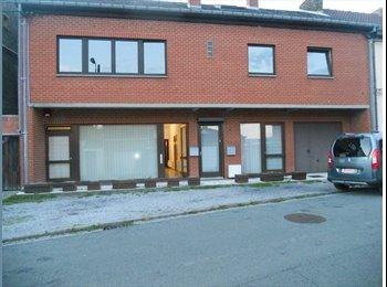 Appartager BE - Spacieuse maison/appartement à louer, idéale pour collocation, Charleroi - 900 € / Mois