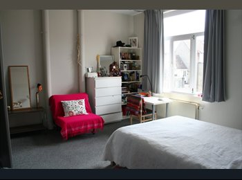 Appartager BE - Very Sunny and Big Room to rent, Ixelles - 599 € / Mois