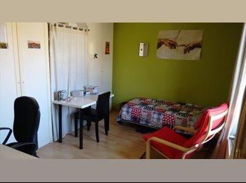 Appartager BE - Chambre spacieuse dans une colocation pour 5 jeunes travailleurs, Ottignies-Louvain-la-Neuve - 330 € / Mois