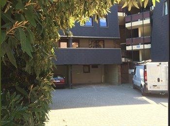 Appartager BE - Appartement 4 chambres sympa: reste 1 place, Ottignies-Louvain-la-Neuve - 355 € / Mois