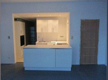 Appartager BE - Duplex avec 3 chambres à Uccle, Uccle - 360 € / Mois
