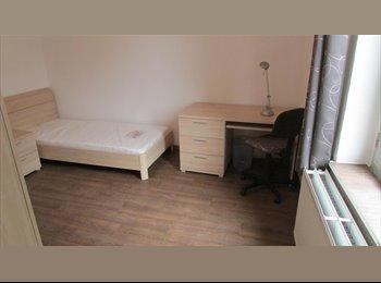 Appartager BE - Chambre meublée proche Samaritaine, IPKN Condorcet,Helha, Charleroi - 330 € / Mois