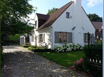 Chambre dans charmante villa à Dion-Valmont