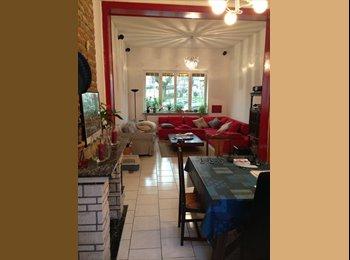 390€ Room available - Chambre à louer