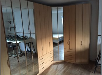 Chambre meublée dans un appartement de 120m2. Sans...