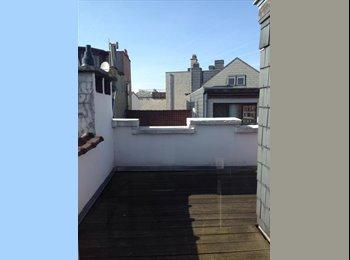 Appartager BE - A louer chambre  avec salle de bain et toilette dans duplex , Ixelles-Elsene - 550 € / Mois
