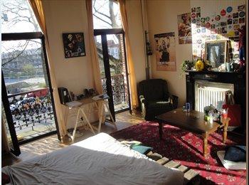 Appartager BE - Belle chambre de 24m2 grande maison LA CHASSE - 15 avril, Etterbeek - 475 € / Mois