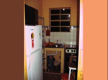 EasyQuarto BR - Quarto Mobiliado, excelente localização - Centro, Porto Alegre - R$ 750 Por mês
