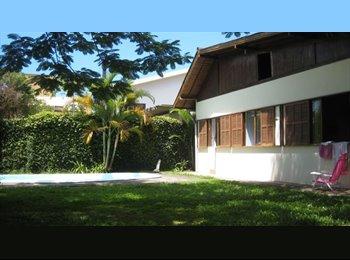 EasyQuarto BR - Casa de ambiente familiar para moças - Outros, Florianópolis - R$ 420 Por mês