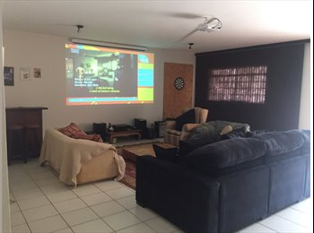 EasyQuarto BR - VAI VAGAR UMA DCE  - Lago Sul, Brasília - R$ 657 Por mês