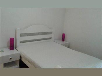 EasyQuarto BR - ALUGO EXCELENTE QUARTO DE CASAL EM IPANEMA! :) - Ipanema, Rio de Janeiro (Capital) - R$ 1.800 Por mês