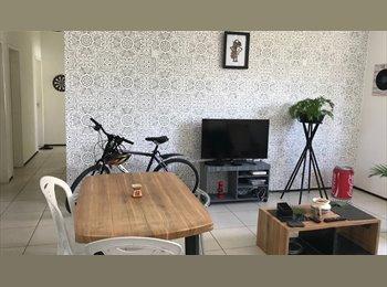 EasyQuarto BR - Excelente Localização - Suíte - Aldeota/Dionísio Torres, Fortaleza - R$ 600 Por mês
