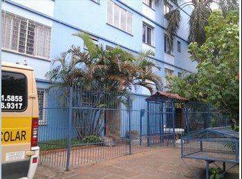 EasyQuarto BR - Quarto Individual moças a 3 quadras da PUC-RS - Zona Leste, Porto Alegre - R$ 450 Por mês