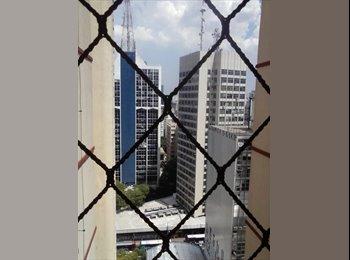 Quarto individual fem mobiliado na Av Paulista