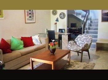 EasyQuarto BR - Quarto bem ventilado em casa agradável, Recife - R$ 700 Por mês