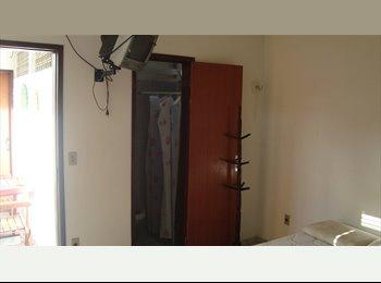 Quarto com banheiro em Manaíra a 100 mt. da praia