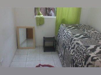 EasyQuarto BR - Alugo quarto para moças - Ponta Grossa, Ponta Grossa - R$ 400 Por mês