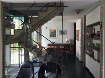 Quarto em casa na vila madalena