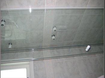 EasyQuarto BR - Alugo Suite em residencial de alto padrao - Barueri, RM - Grande São Paulo - R$ 1.500 Por mês
