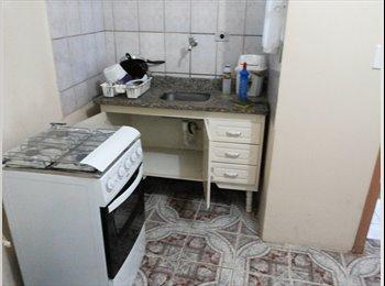 EasyQuarto BR - quarto e cozinha - Penha, São Paulo capital - R$ 1.200 Por mês