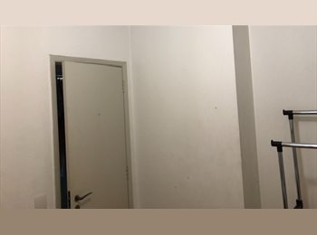 EasyQuarto BR - Vaga em Apartamento Vila Olimpia- Moema - Moema, São Paulo capital - R$ 1.300 Por mês