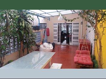 EasyQuarto BR - Cuarto em casa do lado do Parque Ibirapuera - Moema, São Paulo capital - R$ 1.050 Por mês