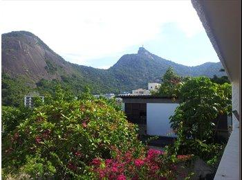 EasyQuarto BR - Bedroom in Laranjeiras - Family House - Laranjeiras, Rio de Janeiro (Capital) - R$ 1.600 Por mês