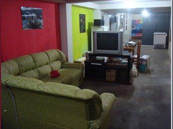 EasyQuarto BR - Quarto Mobiliado para solteiro c/ wi-fi só 380 - Centro, Porto Alegre - R$ 380 Por mês
