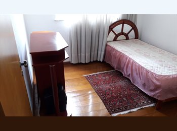 Alugo quarto individual  moças