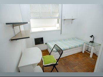 Tenho um quarto individual em Ipanema, perto do me