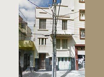 EasyQuarto BR - QUARTOS MOBILIADOS EXCELENTE LOCALIDADE- CENTRO - Centro, Porto Alegre - R$ 400 Por mês