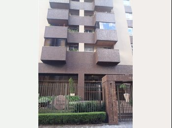 EasyQuarto BR - Aluga-se quarto mobiliado no Cristo Rei para moças - Outros Bairros, Curitiba - R$ 900 Por mês