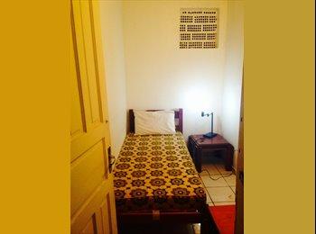 EasyQuarto BR - Suítes Standard/Quitinetes na Baluarte Residência - Itaim Bibi, São Paulo capital - R$ 485 Por mês