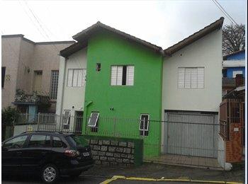 EasyQuarto BR - quartos individuais para homens, Florianópolis - R$ 365 Por mês