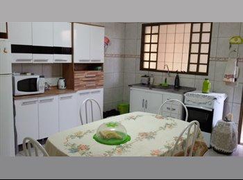EasyQuarto BR - alugo quarto mobiliado e individual para rapaz, Maringá - R$ 480 Por mês