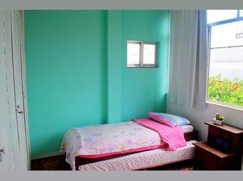 Quarto com banheiro privativo em Ipanema.