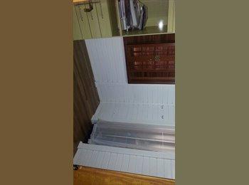EasyQuarto BR - Quarto com closet - Sorocaba, Sorocaba - R$ 550 Por mês