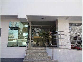 EasyQuarto BR - Apartamento a quadra do mar em Balneário Camboriú - Balneário Camboriú, Vale do Itajaí - Blumenau - R$ 1.100 Por mês