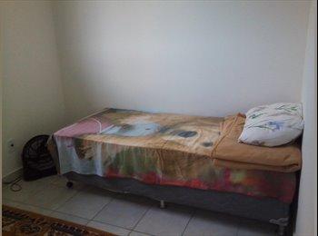 EasyQuarto BR - Divido apartamento no Bairro da Farolandia - Aracajú, Aracajú - R$ 400 Por mês