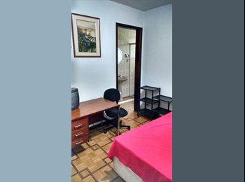 Alugo quartos mobiliados