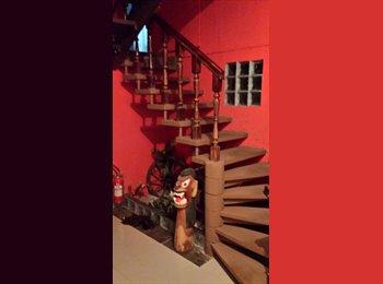EasyQuarto BR - A casa em Curitiba, Curitiba - R$ 465 Por mês